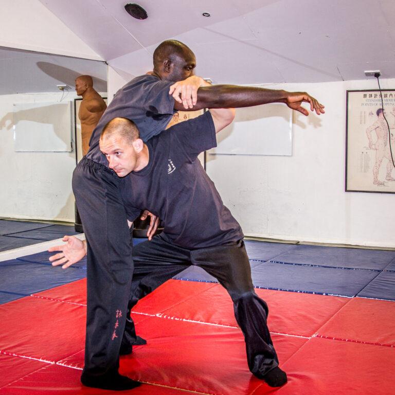 Double Chi Sau with leg training