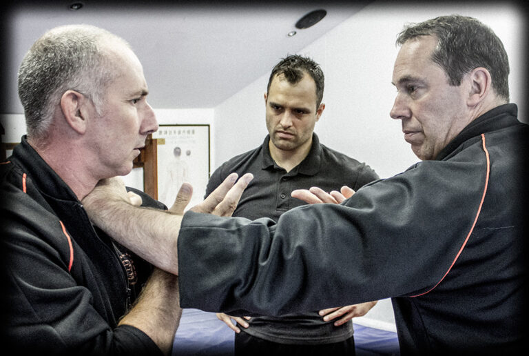 James Sinclair uses the Taan Sau and combines with a chop to the throat in Wing Chun Chi Sau training