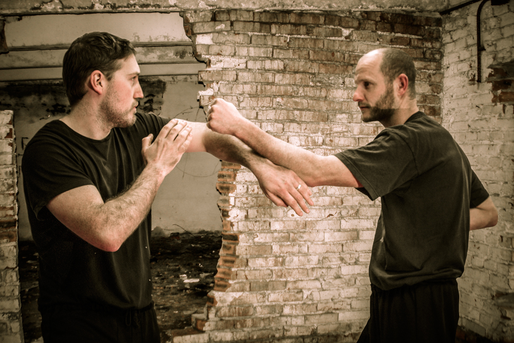 Wing Chun Bong Chor Sau literally means 'Wrong' Bong. However, it is not wrong as it will happen. Not ideal would be better. The wrong refers to the high risk from the opponent other arm.