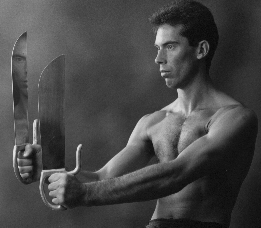 James Sinclar founder and Chief Instructor of the prestigious UK Wing Chun Kung Fu Assoc. demonstrating the bart Chaam Do or Eight Cutting Knives.