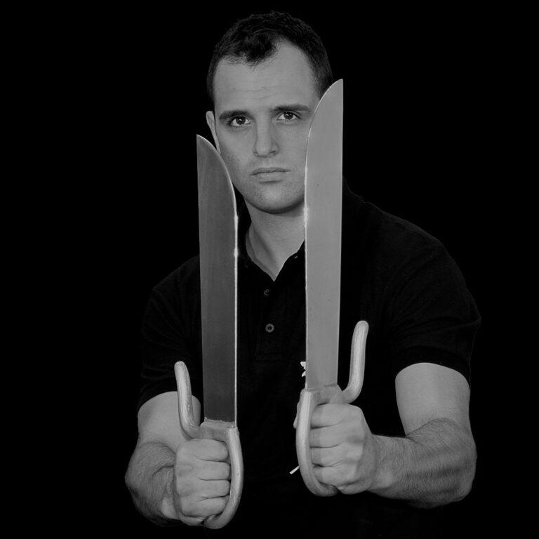 Master Nick Martin demonstrates the hidden hand