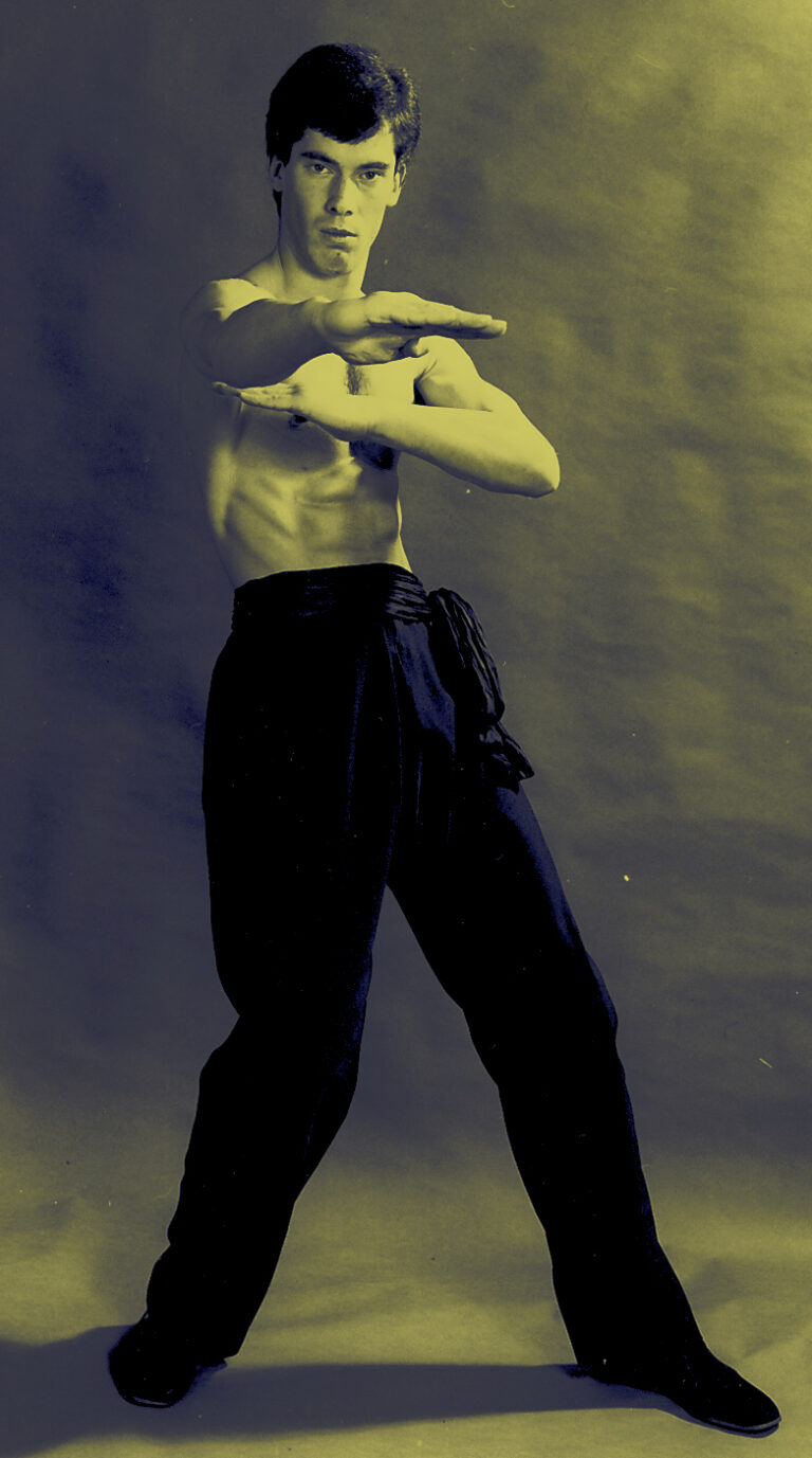 Wing Chun teacher James Sinclair 1982. Throat cutting hand