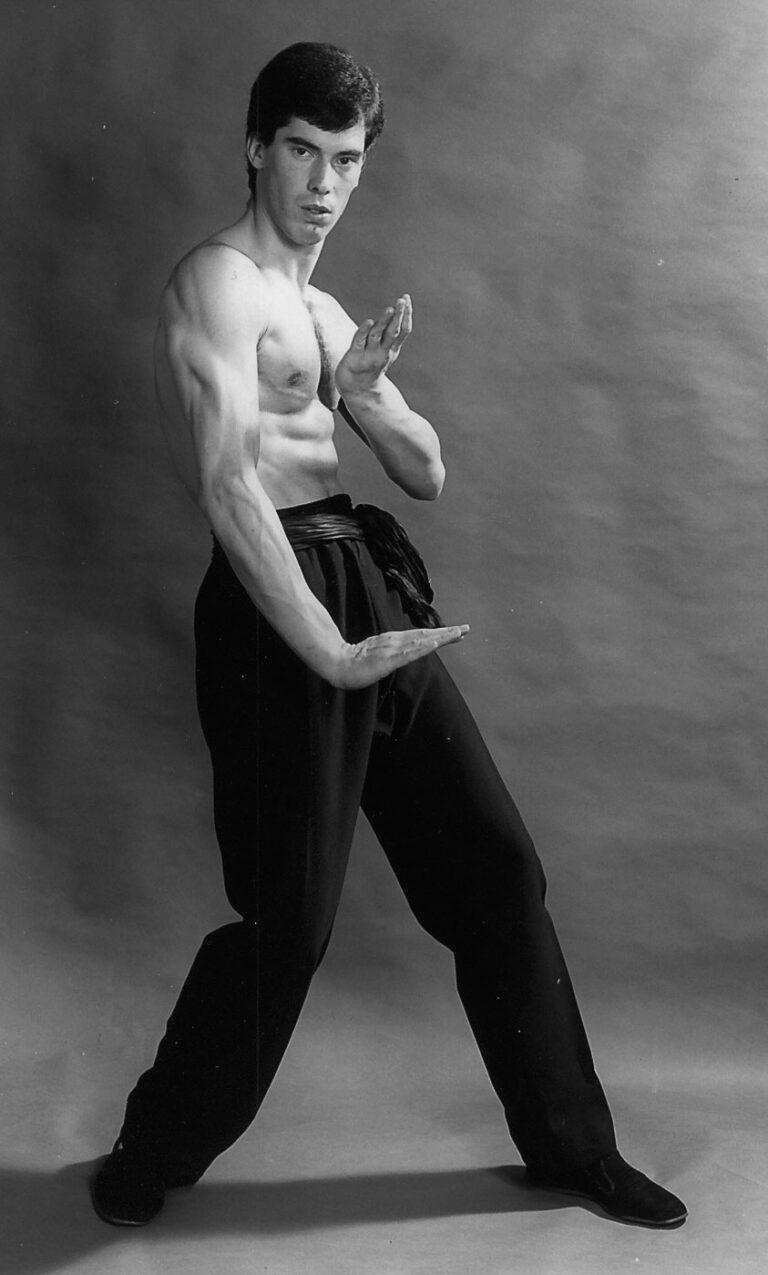 James Sinclair performs the Wing Chun Gum Sau circa 1982