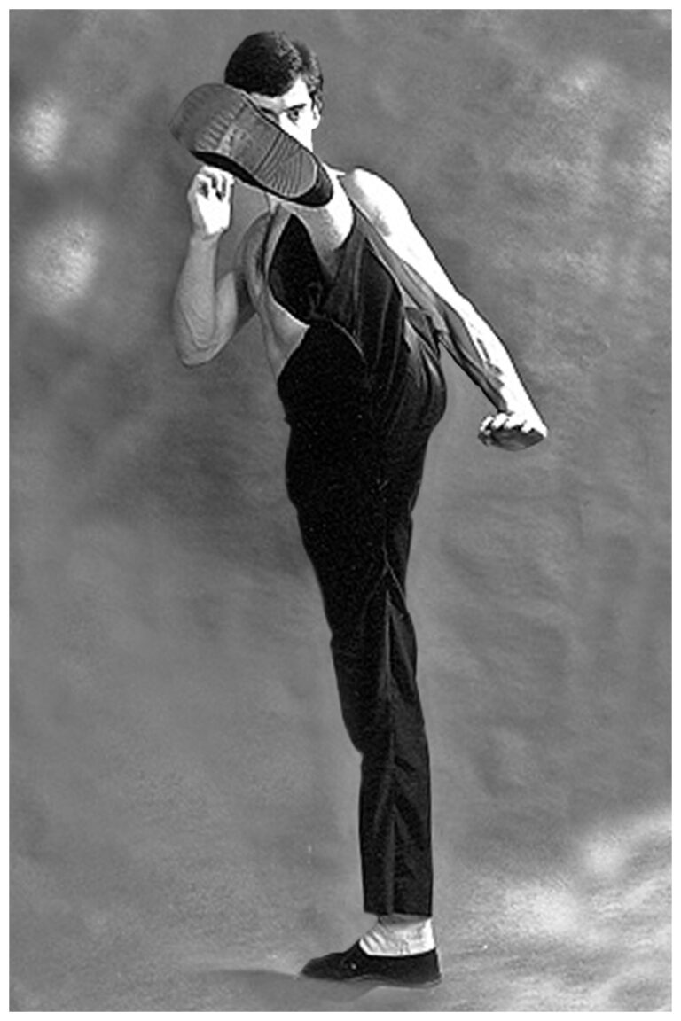Wing Chun teacher James Sinclair 1982. High Side Kick